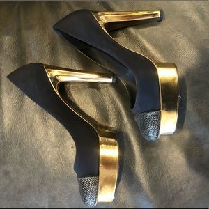 CHANEL black & gold pumps